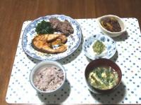 5/15 夕食 秋鮭のバターしょうゆソテー、かぼちゃのいとこ煮、冷奴、ニラ玉味噌汁、雑穀ごはん