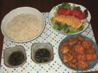 6/25 夕食 さつま揚げ、チキンサラダ、稲庭うどん