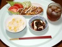 7/6 昼食 納豆入りオムレツ、冷奴、とうもろこしご飯