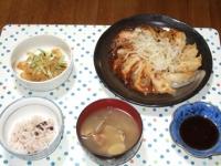 7/8 夕食 米粉餃子、中華クラゲ、あさりの味噌汁、雑穀ごはん