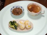 7/11 昼食 味付サバ缶、ピリ辛きゅうり、海老ワンタンスープ