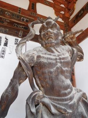 石山寺・金剛力士像(阿形像)