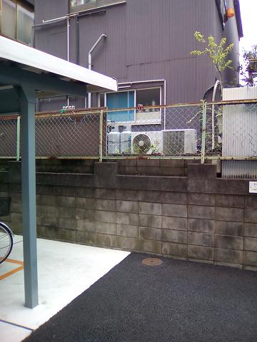 擁壁…っつーか、ブロック塀