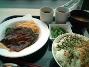 品川SS 社食 定食B(煮込みハンバーグ洋食屋風)+副菜(2016/5/27)