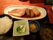 大手町 酒場 蛍火 大手町ファーストスクエア店 煮魚定食(赤魚煮つけ)(2016/4/8)