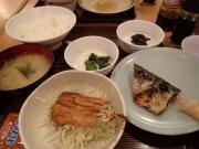 内神田 かぶき 本店 日替わり定食A(いわし蒲焼き+鯖塩半分)(2016/4/19)