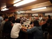 有楽町 日の基 ロの字のカウンターに酔っ払いが集う(笑)(2016/5/19)