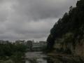 崖のある町