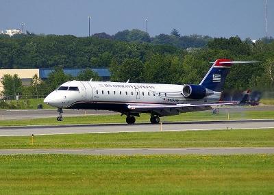 Bombardier_CRJ200_2344265[1]