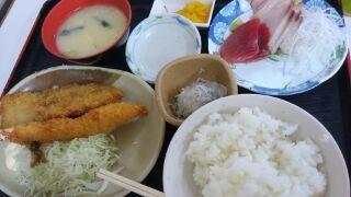 魚市食堂 港の昼定食