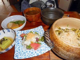 豚と高菜の石窯ご飯