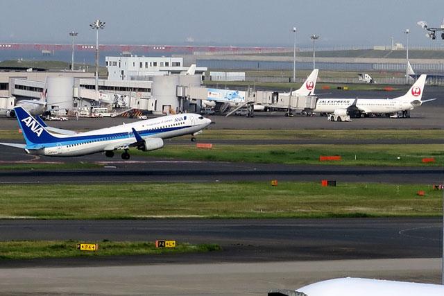 羽田空港で撮影した飛行機(1)