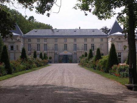 800px-Chateau_de_Malmaison.jpg