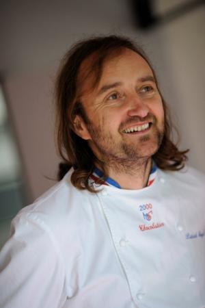 Patrick-Roger-portrait-sculpteur-de-chocolat-paris-blog-hotel-art-ensuite-elysees-mermoz.jpg