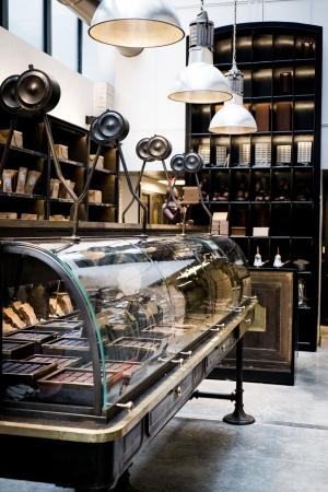 manufacture-de-chocolat-alain-ducasse-boutique_5128868.jpg