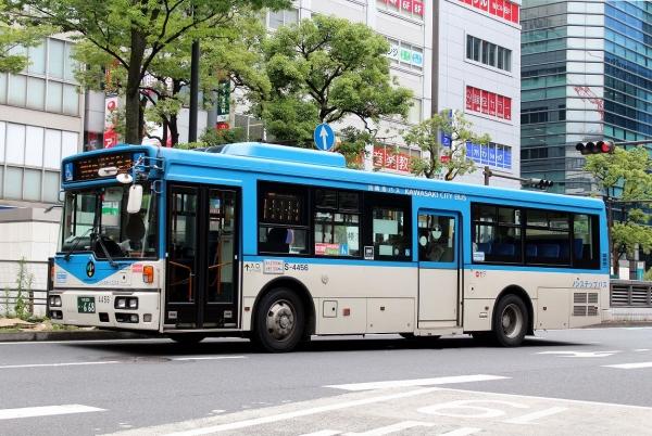 川崎200か・668 S-4456