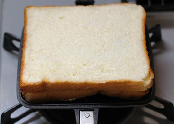 パンを重ねて