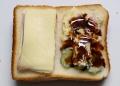 ハム&チーズとポテトサラダにソース