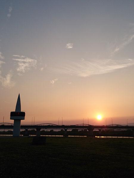 20160527河川敷夕陽