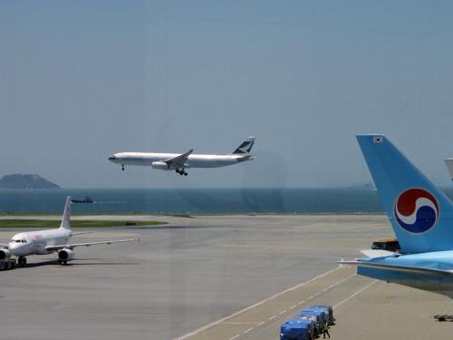 201606HongKongInternationalAirport-1.jpg