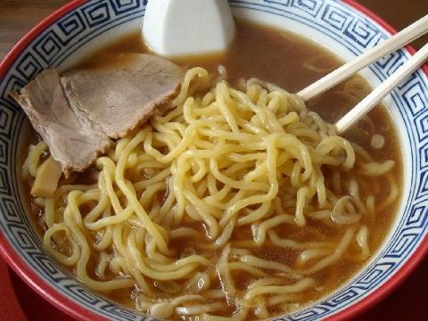 五平・H27・7 鯛生姜醤油拉麺 ちぢれ麺