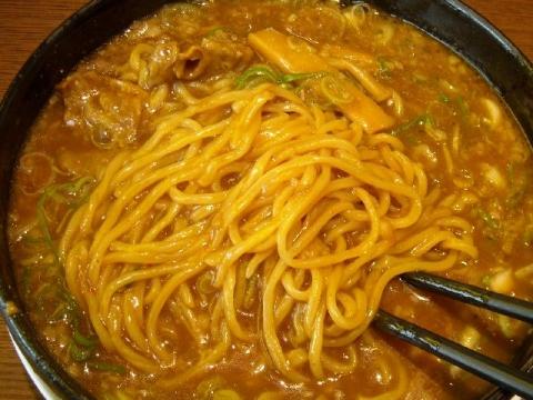 来来亭 三条店・H27・8 カレーラーメン 麺