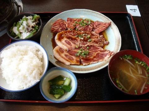 てんてん女池愛宕店・H27・8 焼肉二種盛り定食