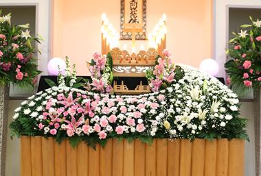 ピンク グラデーション 花祭壇 豊川 花屋 花夢