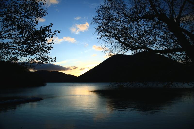 176 然別湖畔の朝0001