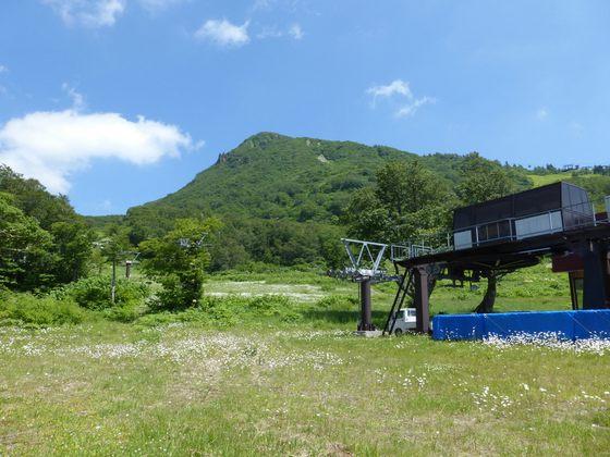 夏の蔵王温泉スキー場パラダイスゲレンデ