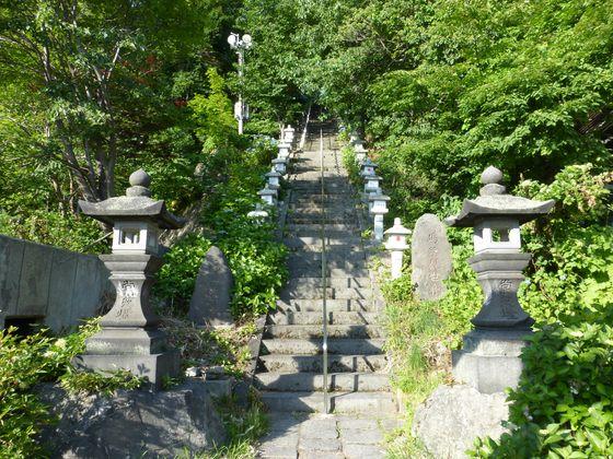 酢川温泉神社へ続く石段