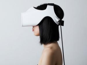 FOVE_VR-headset_image2.jpg