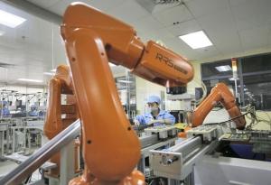 Foxconn_robot_laber_image1.jpg