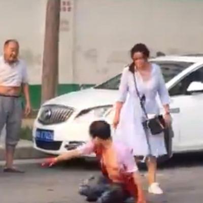 【衝撃!】またまた中国で衝撃映像!白昼堂々と刺すなよ~(観覧注意)