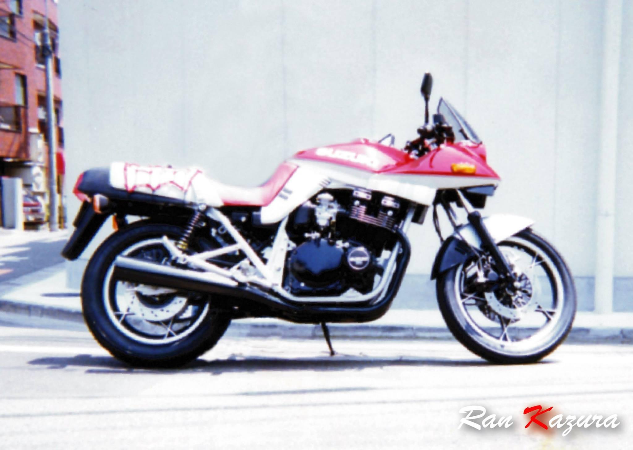 93年型 1100カタナ。赤/銀。ノーマル。