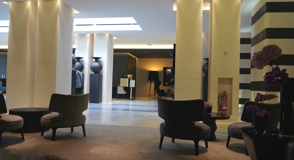 20160613 Marseille Intercont Lobby 21cm DSC01229