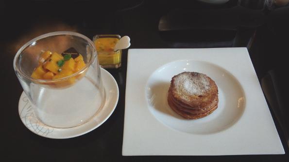 20160706 東京ステーションホテル マンゴパンケーキ 21㎝12150000