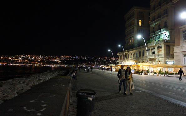 20160919 Napoli Santa Lucia night 21cm SC06649