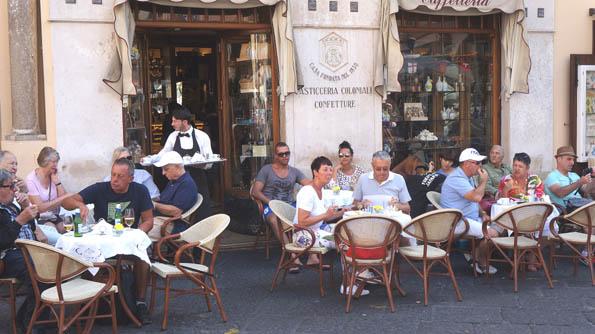 20160915 Amalfy Plaza Duomo Cafe 21cm DSC05803