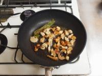 鶏皮と長ねぎのぴり辛炒めt36
