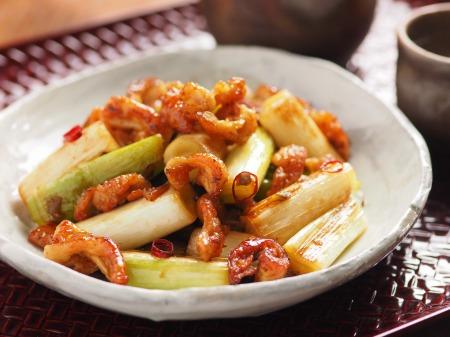 鶏皮と長ねぎのぴり辛炒めt09