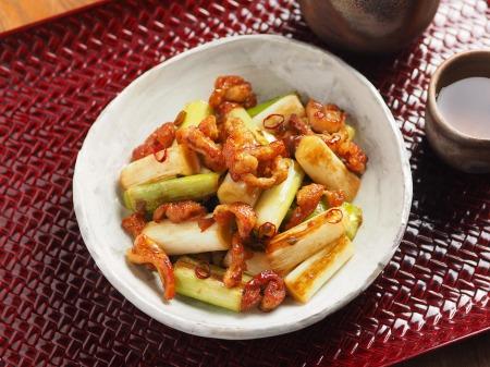鶏皮と長ねぎのぴり辛炒めt16