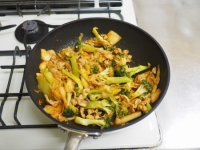 ブロッコリーの豚キムチ炒めt13