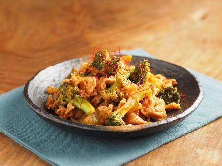 ブロッコリーの豚キムチ炒めt32