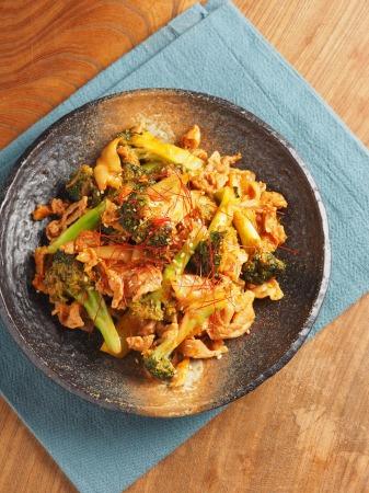 ブロッコリーの豚キムチ炒めt25