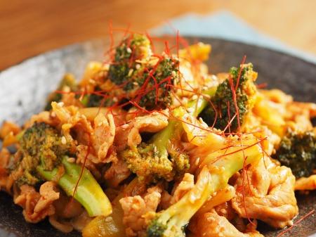 ブロッコリーの豚キムチ炒めt38