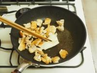 鶏皮キムチ炒めt09