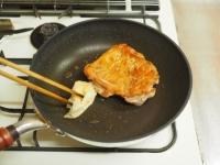 鶏もも肉と大ねぎの旨塩焼きt07