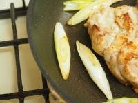 鶏もも肉と大ねぎの旨塩焼きt10