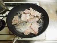 カンパチあらの塩トマト煮t05